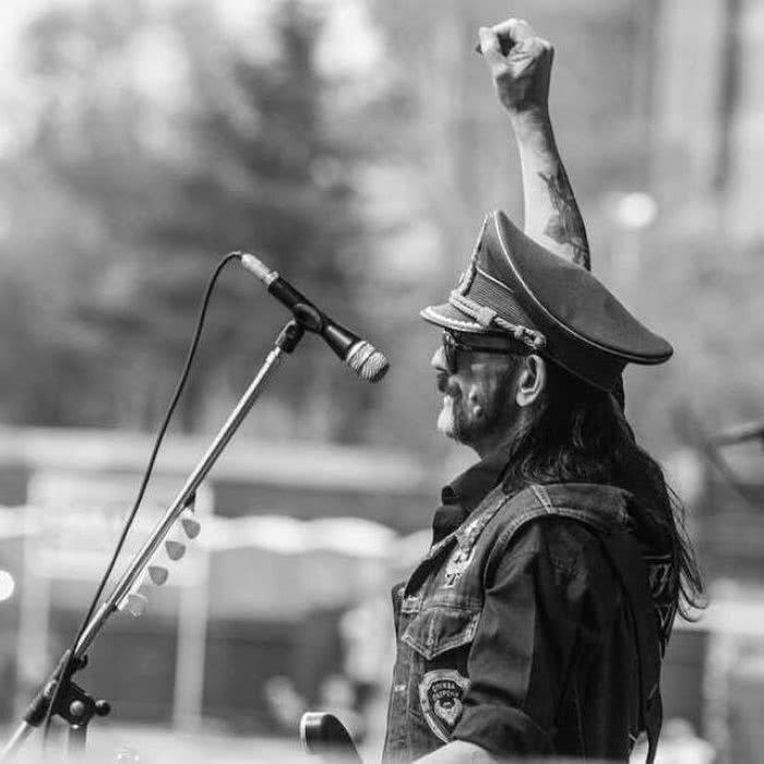 LEMMY KILMISTER: Το τελευταίο «αντίο» για τον Αρχηγό και η παράκληση των Motörhead Lem-adios_opt